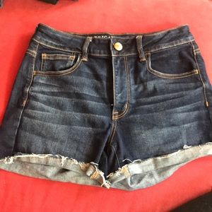AEO Hi rise Shorty dark denim cut off